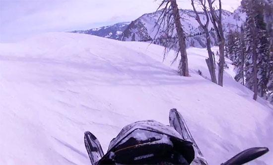 252f2_snowmobilegkremos